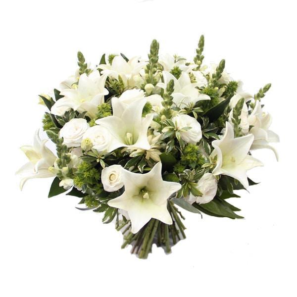 זר פרחים יפה כלבנה
