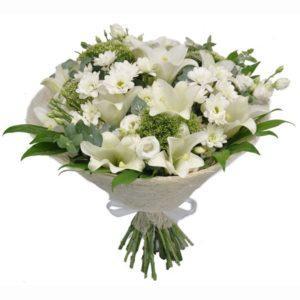זר פרחים פריחה בלבן