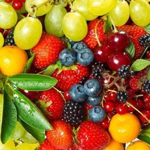 קומפוזיציה של פירות וצבעים